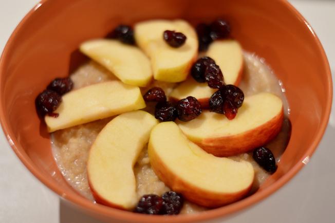 Apfel-Zimt-Hirse mit Cranberries