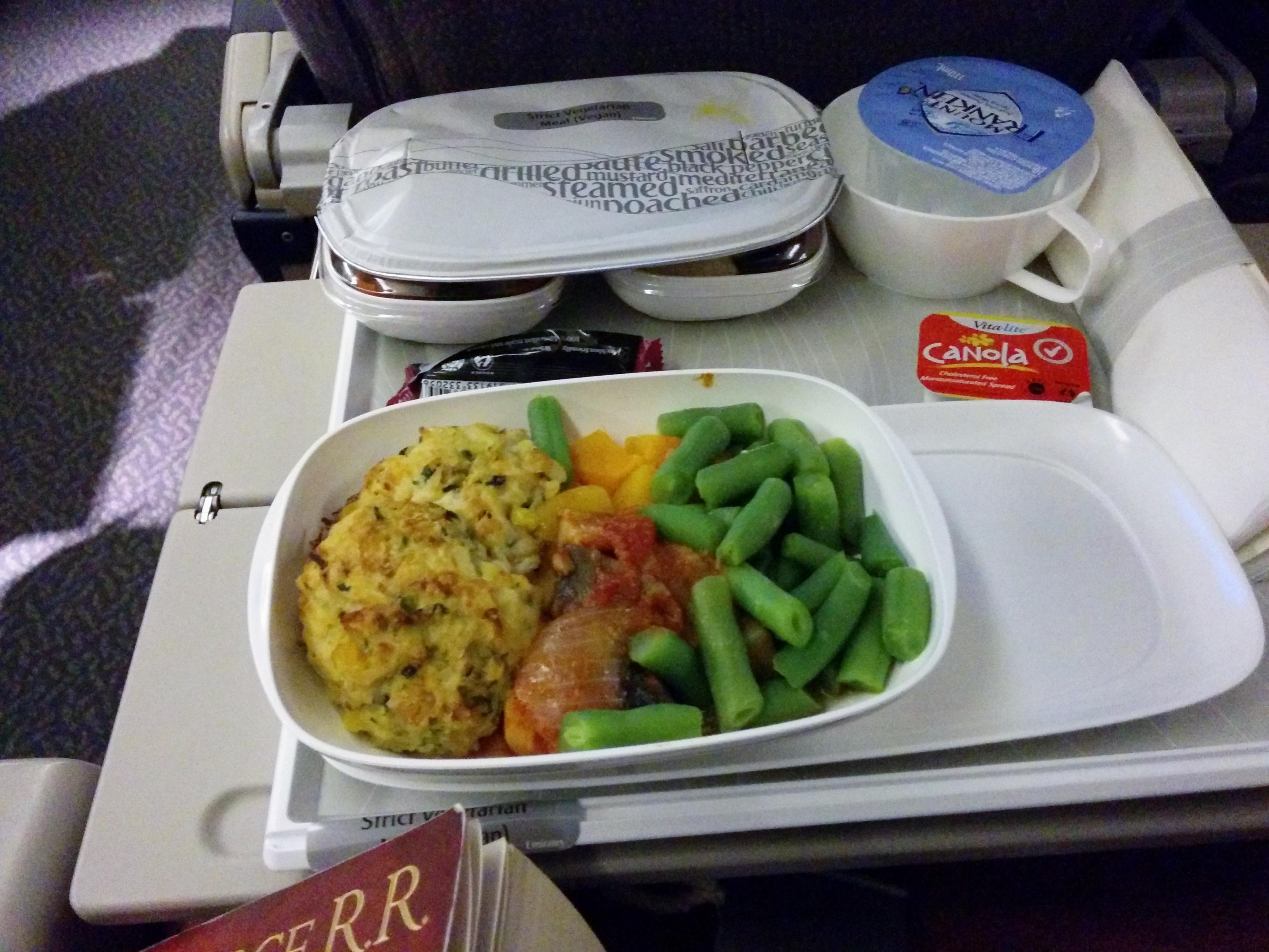 """strict vegetarian"" Vegane Mahlzeit bei Emirates Flug"
