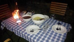 Vegane Spaghetti Bolognese im Garten