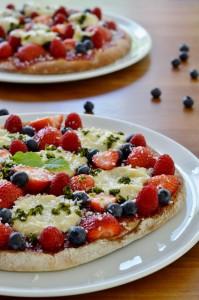 vegane Beeren Dessert Pizza