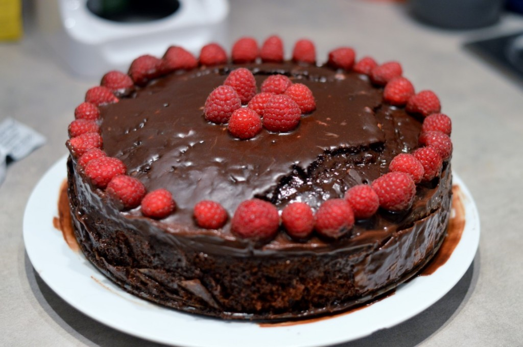 Himbeer-Schoko-Mud Cake Vegan Schokokuchen