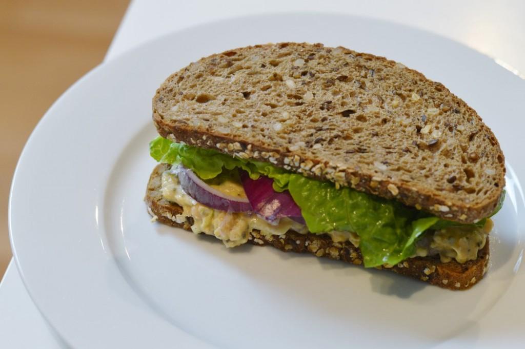 Veganer Eiersalat/ Vegan Egg Sandwich Kichererbsen