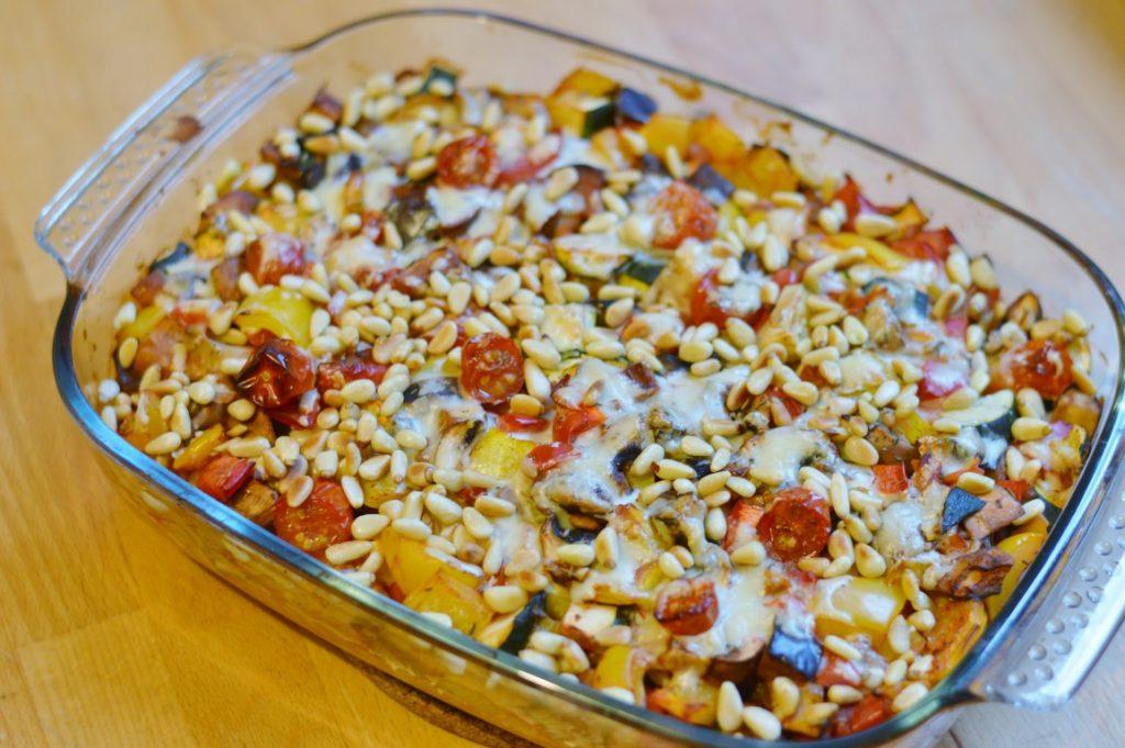 Rezept: Veganer Gemüse-Nudelauflauf mit ungekochten Nudeln
